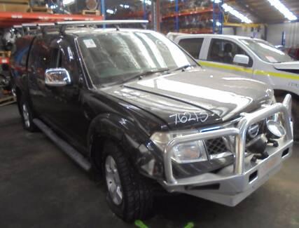 NISSAN NAVARA CONSOLE AUTO T/M, D40, 4WD, 12/05-08/15 (C20101)