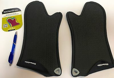 NWT~2 Woman's Fitted KITCHEN GRIPS Oven Mitts~ship free