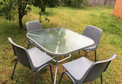 Waterproof outdoor glass table with 4 chair