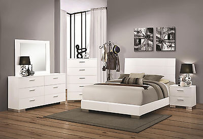 Contemporary Glossy White Bedroom Furniture - 5pcs Set w/ King Platform Bed IA92