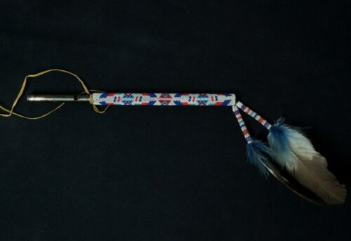 Native American beaded whistle - Lakota Sioux - Vintage