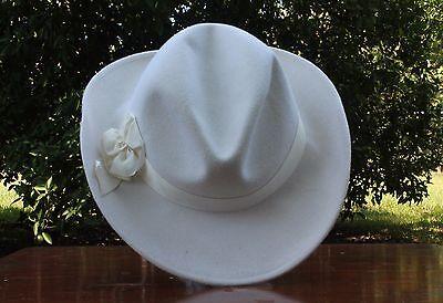 Mr. Charles Cream Wool Veiled Hat w/ Bow
