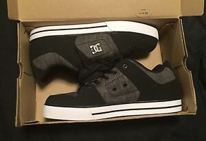 New DC skateboard shoes - size 11