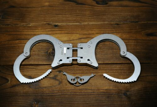 "Russian Handcuffs Hinged model ""BOS-1""."