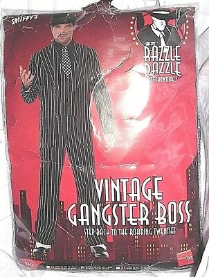 White Zoot Suit Costume (1920s Large Black White Pinstripe Gangster Bugsy Gatsby Zoot Suit Costume)