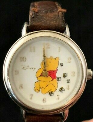 VINTAGE WOMENS QUARTZ WATCH WINNIE THE POOH ~ DISNEY Leather Strap New Battery