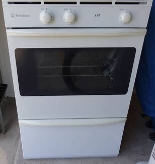 Westinghouse natural gas oven + BBQ built in, good working