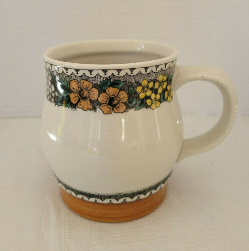 "GOEBEL Country BURGUND 4-1/4"" MUG HTF"