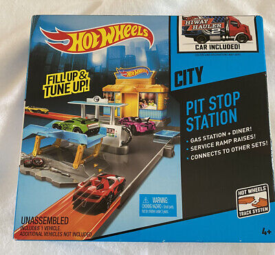 Hot Wheels City Pit Stop Station 2013 Mattel Gas Station and Dinner Sealed Box