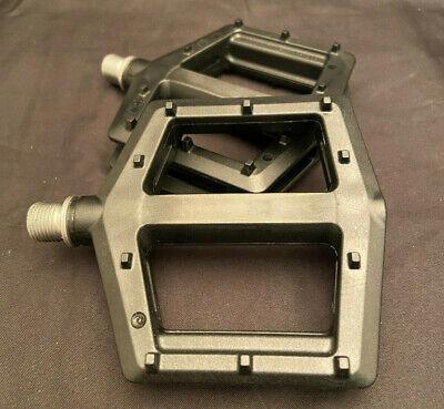 "GT PC Nylon Molded Logo BMX Flat Pedals 9//16/"" Spindle Dark Green GP2257U30OS"