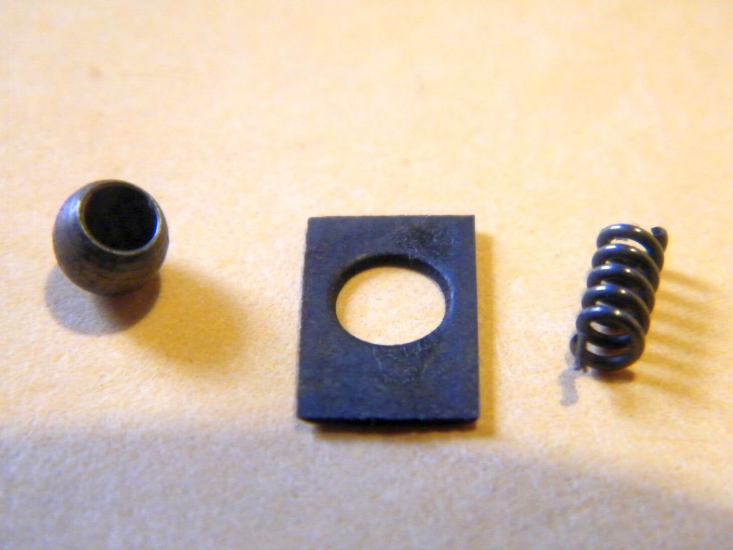 operating handle plunger spring retainer 1100