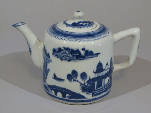 """Chinese export porcelain blue and white teapot 4.5"""" tall see listing    sku:BWTP"""