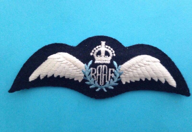 ROYAL AUSTRALIAN AIR FORCE PILOT WING  (R.A.A.F.)