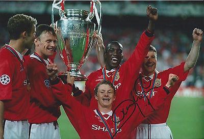 DWIGHT YORKE - Hand Signed 12x8 Photo - Man Utd Manchester United - Football