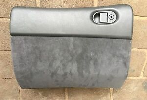 Holden vt vx vu grey suede glovebox with pin in great condition Carrum Downs Frankston Area Preview