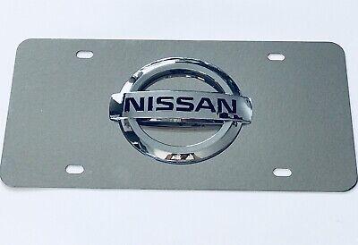 NISSAN 3D EMBLEM LOGO LICENSE PLATE Titan Altima Maxima Murano 370Z w/Screw Caps