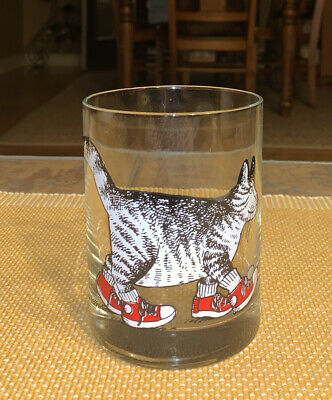 (1) B KLIBAN SUPERCAT CAT W/ RED SNEAKERS OLD FASHIONED GLASSES