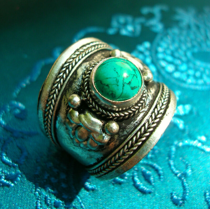 Beautiful Silver Ring from Nepal with Turquoise, Ein Ladies + Men