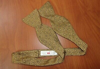 Carrot & Gibbs Gold Paisley Pattern Pure Silk Adjustable Buttons Bow Tie ~NEW~