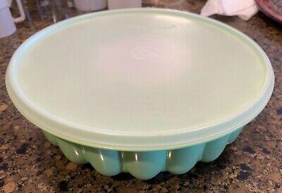 Vintage Tupperware 3pc Jello Mold Ice Ring Green w/ Lid