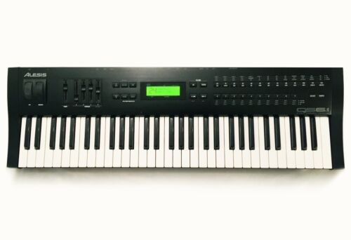 ALESIS QS6.1 64-Voice Synthesizer 61-Key Keyboard. Great Condition !!!