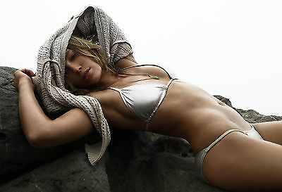Jessica Biel Unsigned 12X18 Photo  18