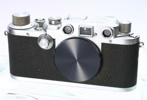 LEICA LEITZ IIIC SHARKSKIN SS 35MM FILM RANGEFINDER LTM CAMERA BODY No. 461571
