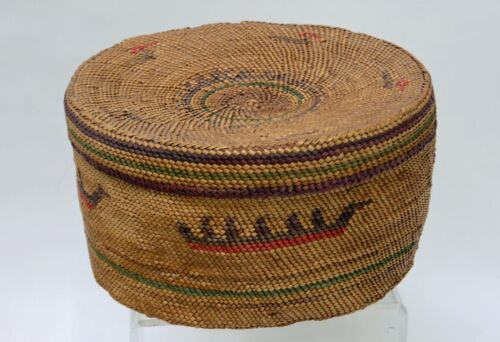 Uncommonly  Large and  Fine Makah Indian Basket with Canoes  - Bird  c. 1890