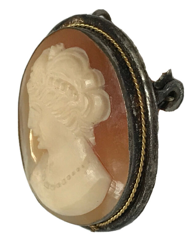 VINTAGE STERLING SILVER GOLD TONE TRIMMED REAL SHELL CAMEO PIN BROOCH PENDANT