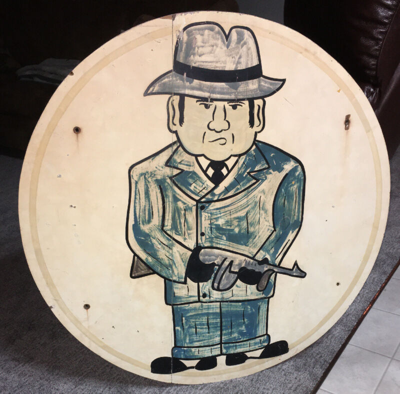Al Capone Sign from The Hideout: Memorabilia Gangster Mobsters Wisconsin