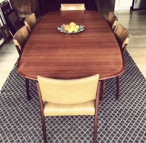 Mid century Parker dining table with Fler chairs