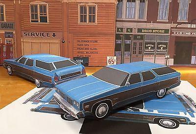 Papercraft 1975 Oldsmobile Custom Cruiser station wagon paper model car -