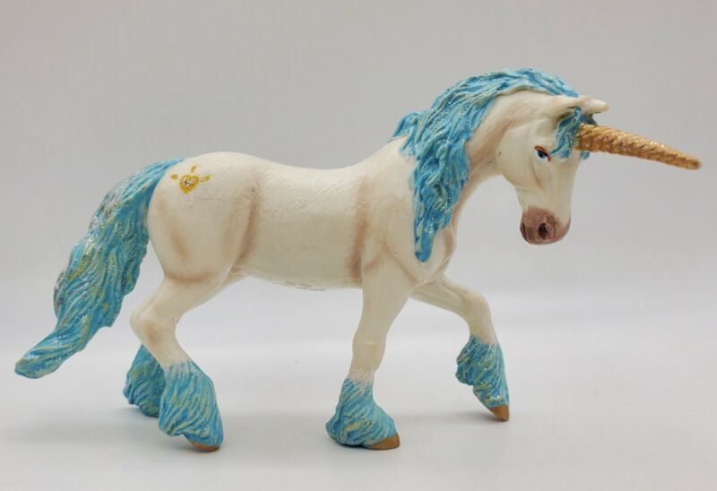 2011 Collectible Papo Magic Unicorn Figurine #38824