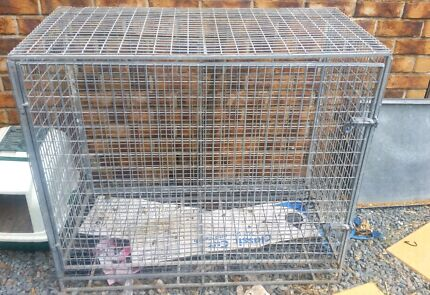 Large dog/animal cage. Highland Park Gold Coast City Preview