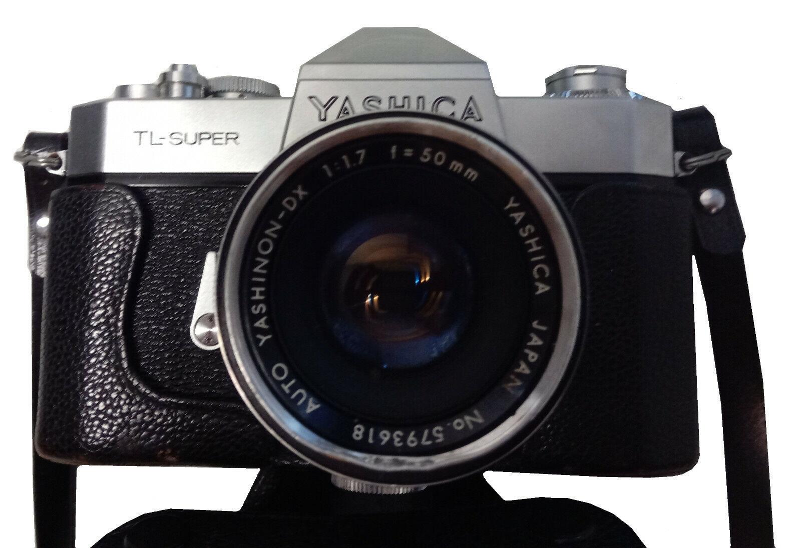 Yashica TL-Super mit Objektiv und Ledertasche
