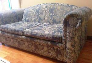 Two Seater Lounge Smithfield Plains Playford Area Preview