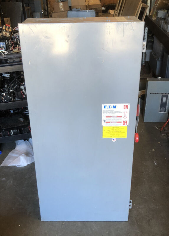 CUTLER HAMMER 600 AMP NON FUSIBLE SAFETY SWITCH 600V NEMA 1 INDOOR 3P DH366UGK