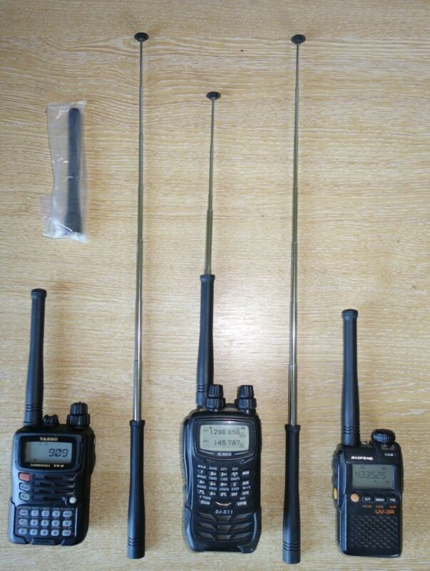 Two+Rubberscopic+antennae+for+Handheld+Radios