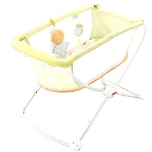 Fisher-Price-Deluxe-Rock-and-Play-Giraffe-Portable-Travel-Bassinet-Crib-NIB-NEW