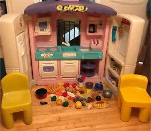 Deluxe Country Kitchen by Little Tikes
