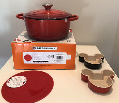 Le Creuset Mickey Mouse 4.5 Qt Dutch Oven With Baking Set