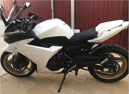Yamaha FZ6R LAMS Learner approved