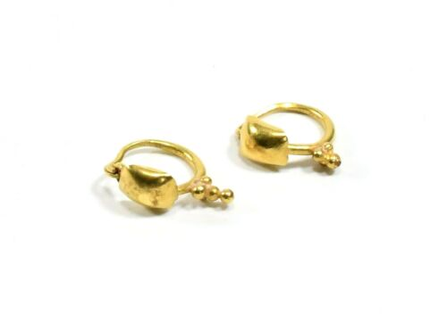 ANCIENT ROMAN GOLD PAIR OF EARRINGS