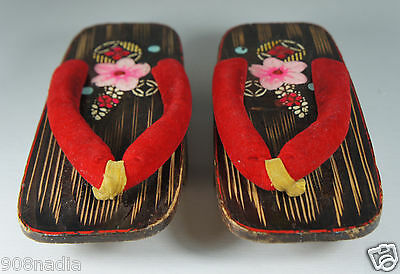 VINTAGE JAPANESE KIMONO GETA WOODEN SANDALS HAND PAINTED  FLOWERS 7 3/4''