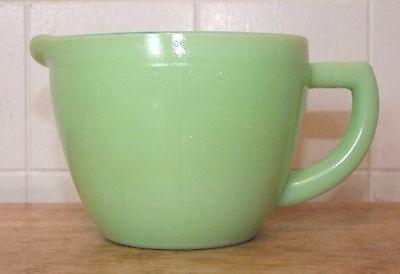 Vintage JADEITE 2-Cup MEASURING PITCHER, Pour Spout, Handle, Green Glass