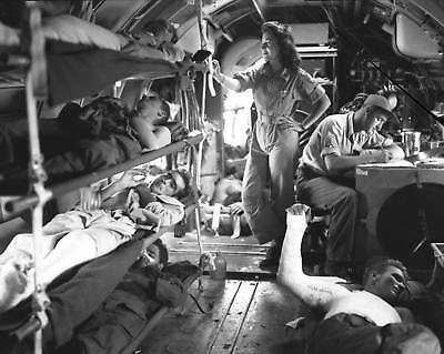 Ww2  Photo Wwii Us Army Flight Nurse   Wounded On Aircraft  World War Two   1557