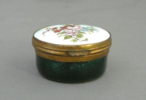ENAMEL PATCH BOX, BILSTON, SOUTH STAFFORDSHIRE, ROUND, GREEN FLOWERS GEORGIAN c.