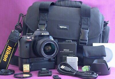 Nikon D3300 DSLR Camera with AF-P DX 18-55  Lens LOTS OF EXTRAS 2122A