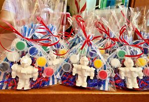 18  Transformer, robot party favors to paint / 18 bags/Boys birthday.Creative.