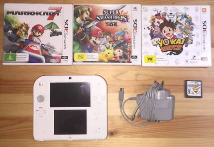 Nintendo 2DS  with 4 Games